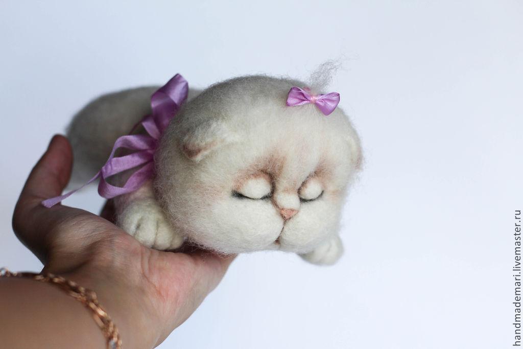 Как сделать кошку своими руками из шерсти?
